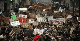 Los estudiantes prometieron continuar las manifestaciones todos los jueveshasta obtener respuestas concretas a sus exigencias.