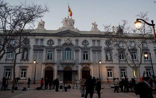 La justicia española acusa a los independentistas catalanes de rebelión, malversación y desobediencia.