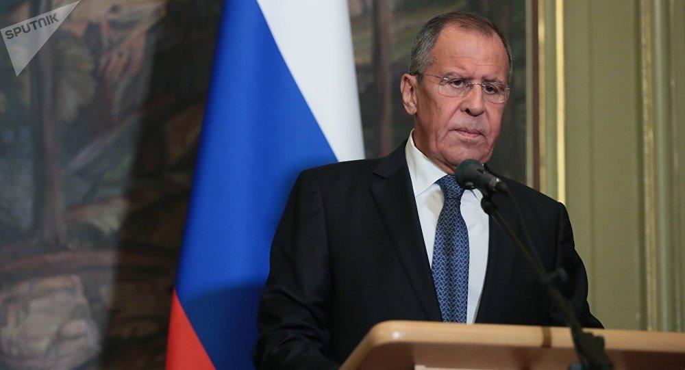 Serguei Lavrov destacó que es la Constitución de cada país el arma de defensa y resolución de conflicto de las naciones del mundo.