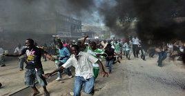 Reportes no oficiales señalan que ocho personas han fallecido en las manifestaciones, mientras que la oposición eleva la cifra a 50.