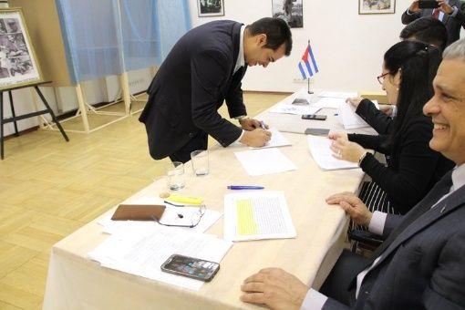 Los votantes en el exterior ya pudieron ejercer su derecho al voto.