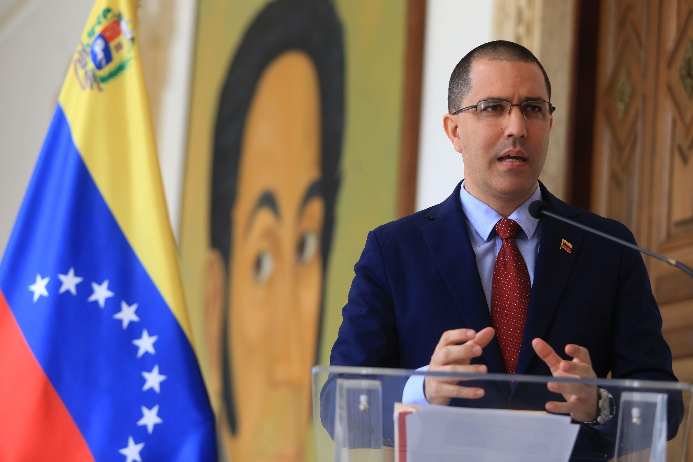 EE.UU. mantiene amenazas injerencias y un bloqueo financiero contra Venezuela.
