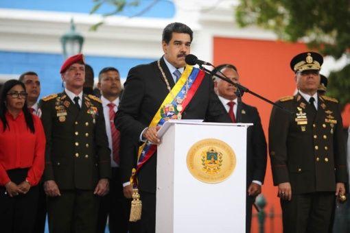 El mandatario venezolano reiteró que el país está viviendo una provocación por parte del imperio por lo que instó a los militares mantener coordinación en la defensa de la paz.