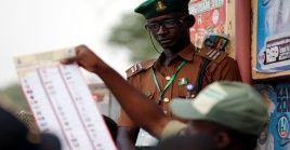 Desde 1960 hasta 1999 no hubo en Nigeria un gobierno civil que terminara su mandato.