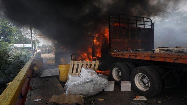 Los camiones fueron quemados en la frontera del lado de Colombia, donde no estaba la FANB.