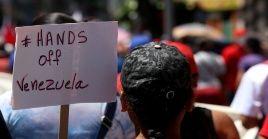 Ante la injerencia estadounidense, venezolanos han marchado con el lema #HandsOffVenezuela