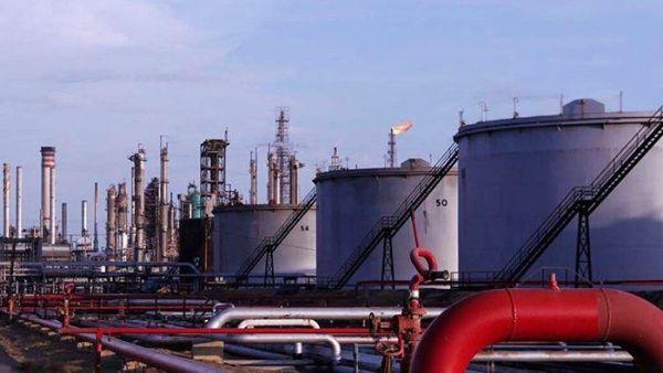 Las sanciones contra el petróleo venezolano han llevado a un alza de los precios del barril de crudo.
