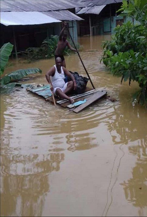 Las autoridades colombianas han distribuido 24 toneladas de ayuda a los habitantes de las zonas afectadas.