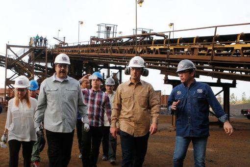 El presidente venezolano se reunió con trabajadores del Complejo Siderúrgico de Guayana.
