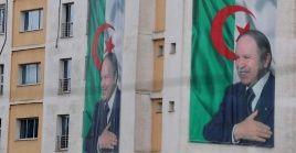 Desde hace dos semanas el Gobierno deButeflika enfrenta fuertes protestas por su administración, la que ya lleva 20 años tras asumir la presidencia por primera vez en 1999.