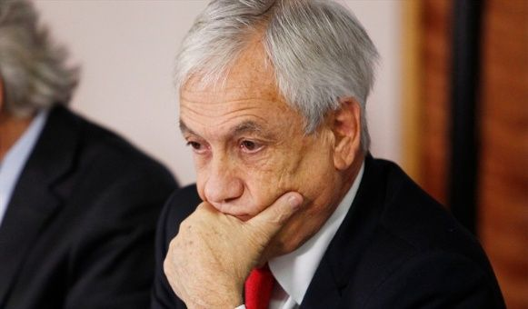 """La frase """"el usuario paga todo"""" de Sebastián Piñera respecto a la polémica de los nuevos medidores a usarse en Chile fue parte del descenso popular, dijeron en la encuestadora Cadem."""