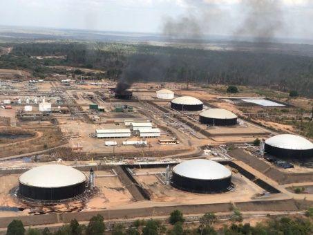 Primeras imágenes del atentado contra la planta petrolera