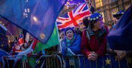 Una segunda enmienda votada este jueves insta a la primer ministro, Theresa May, a solicitar una prórroga a la UE para retrasar la fecha de salida del Reino Unido del bloque comunitario.