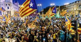 """La marcha fue convocada bajo el lema """"La autodeterminación no es delito, democracia es decidir""""."""