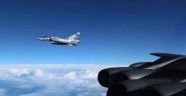 Recientemente un Caza Su-27 (ruso) tuvo que interceptar un RC-135 (avión espía) de EE.UU. en las cercanías de esa nación.