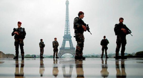 Francia saca a militares a la calle por nueva marcha de chalecos amarillos