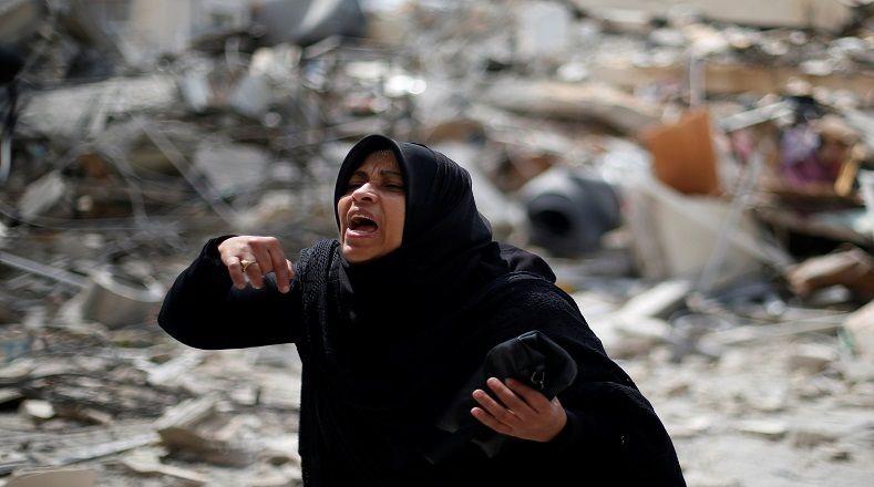 Los ataques armados y aéreos de las tropas israelíes en Gaza continúan dejando innumerables pérdidas desde 2006. Casas, centros asistenciales y religiosos, teatros, espacios de libre esparcimiento y servicios básicos han colapsado por los daños del conflicto, encrudecido hoy día.