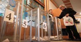 Millones de ucranianos deberán elegir entre 39 candidatos el nuevo presidente de Ucrania.