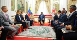 El presidente Nicolás Maduro se reunió con representantes de la Cruz Roja