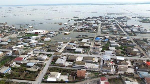 Al menos 105 localidades de las 250 evacuadas en Irán ya se encuentran inundadas, señaló la  Organización de Gestión de Crisis del país.