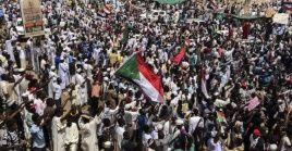 La Junta Militar que gobierna Sudán anunció el levantamiento del toque de queda nocturno.