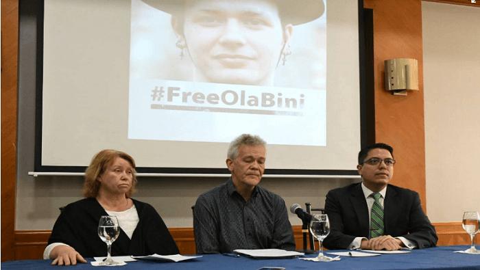 Padres de Ola Bini reiteran inocencia de su hijo y piden libertad