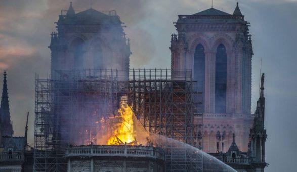 El mundo del deporte y el fútbol francés se solidarizó con lo ocurrido en Notre Dame.