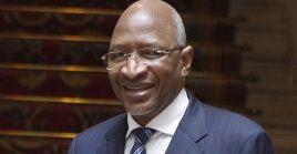 El primer ministro presentó su renuncia, después que la Asamblea Nacional discutiera una moción de censura en su contra.