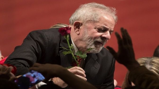 Reducen condena de Lula