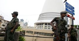 La policía de Sri Lanka ha extremado las medidas de seguridad ante posibles nuevos atentados.