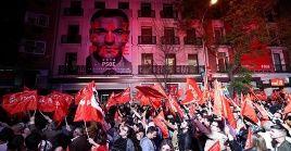Simpatozantes del Psoe rechazan un posible acuerdo entre Pedro Sánchez y el líder de Ciudadanos.