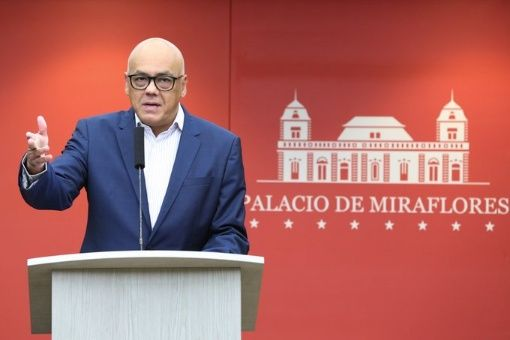 """En la red social, el funcionario instó al pueblo venezolano """"a mantenerse en alerta máxima""""."""