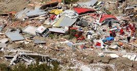 Cuerpos de rescate bolivianos continúan en la búsqueda y rescate de sobrevivientes del deslizamiento de tierra.