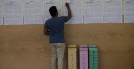 Tras el cierre de las mesas, se precedió al conteo de votos.