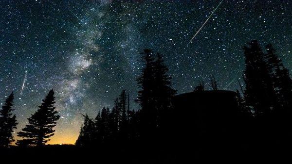 POEMAS SIDERALES ( Sol, Luna, Estrellas, Tierra, Naturaleza, Galaxias...) - Página 23 Cometa-halley-getty-images-compressor.jpg_1718483347