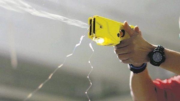 Resultado de imagen para Argentina autoriza el uso de pistolas Taser en sus Fuerzas de Seguridad