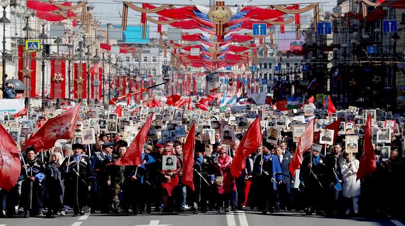 """Por esta razón, el fin de la """"Gran Guerra Patria"""" es celebrado hace décadas por el pueblo ruso en conmemoracion de la vida y valentía de los caídos en lucha."""