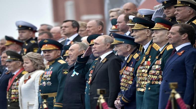 """En evocación a este día, el presidente de Rusia, Vladímir Putin, expresó: """"Les felicito en este día de orgullo y dolor, nuestra gratitud es ilimitada para los defensores de la patria que derrotaron al nazismo. Hoy están todos en el podio de la gran victoria, proteger la memoria de los verdaderos héroes de la Gran Guerra Patria es un deber sagrado""""."""