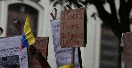 Los bloqueos a las transacciones venezolanas en el mercado internacional impiden adquirir medicinas y alimentos, principalmente.