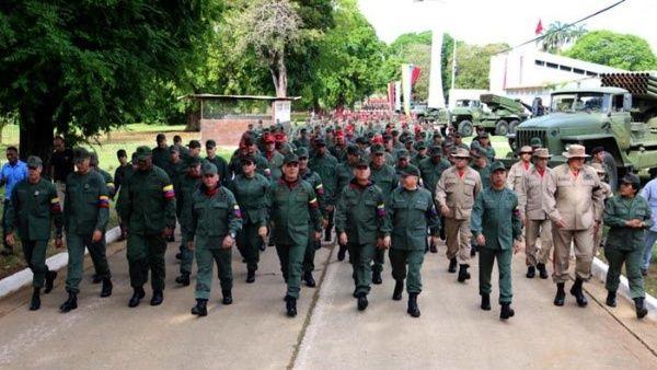 El presidente Nicolás Maduro destacó que Venezuela cuenta conhombres y mujeres de honor de la FANB, quienes defenderán la paz en el país.