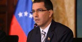 Jorge Arreaza responsabilizó a EE.UU. del bloqueo financiero y la campaña mediática contra Venezuela.