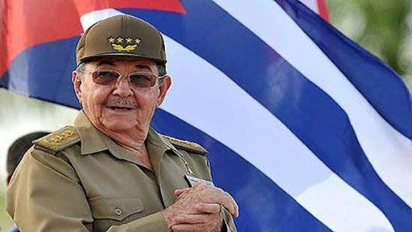 Raúl acompañó a Fidel en todas las fases de la guerra revolucionaria, y posteriormente en las más altas responsabilidades de Estado y de Gobierno.