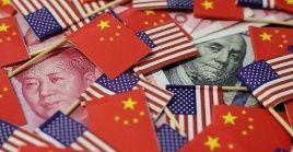 El crecimiento económico mundial está paralizado por la guerra comercial entre ambos países.