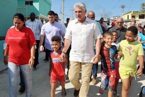 Felicita presidente Díaz-Canel a infantes de Cuba en su día