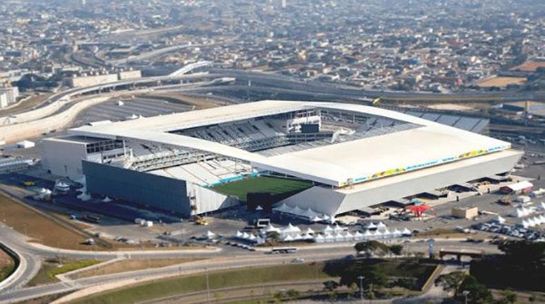 El Arena Corinthians fue el estadio que albergó el partido inaugural de la Copa del Mundo de 2014 (victoria de la verde-amarela ante Croacia por 3-1) y es la sede del Corinthians, uno de los equipos más populares del país.