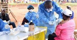 El virus del ébola se contagia a través del contacto directo con la sangre y si no se trata a tiempo, puede tener una tasa de mortalidad del 90 por ciento.