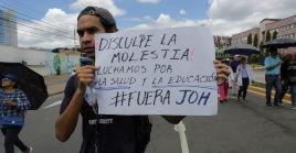 Maestros y médicos hondureños rechazaron participar en el diálogo convocado por el Gobierno.