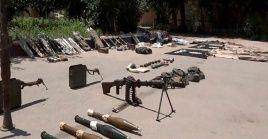 Las fuerzas sirias incautaron municiones, granadas de fabricación israelí, dispositivos de telecomunicación, cohetes de tipo RPG, así como medicamentos y máscaras antigás.