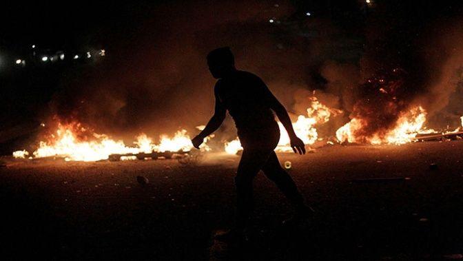 En las últimas veinticuatro horas, diversas localidades hondureñas han sido escenario de saqueos, barricadas y enfrentamientos.