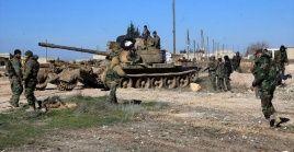 Las fuerzas sirias concentran sus esfuerzos en derrotar a los remanentes del grupo Frente al-Nusra, que sostiene en el eje Hama-Idlib su último bastión en el país.